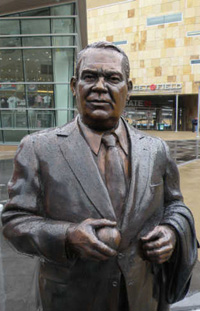 Calvin Griffith Statue