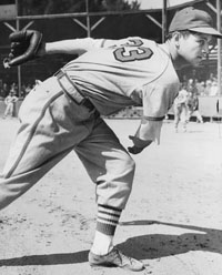 Cardinals P Johnny Beazley