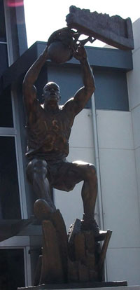 Shaquille O'Neal Statue at LSU Fall 2011