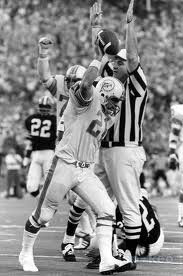 Jim Kiick scores against Browns.