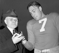 NFL President Joe Carr and Giants' C Mel Hein