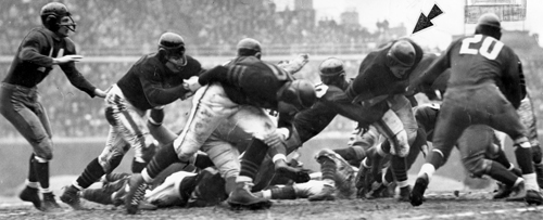 1943 Bears-Redskins action