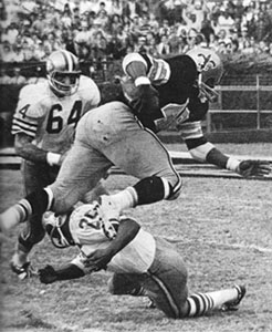 1969 Saints-49ers Action - 3