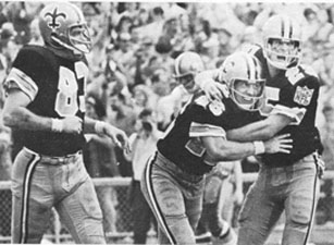 1969 Saints-49ers Action - 4