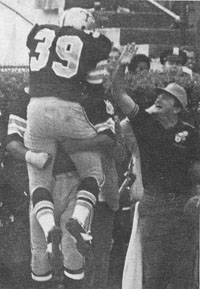 1949 Saints-49ers Action - 8