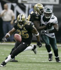 Reggie Bush chases missed pitchout.