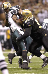 Hollis Thomas stuffs Brian Westbrook.