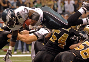 Brian Westbrook dives into EZ.