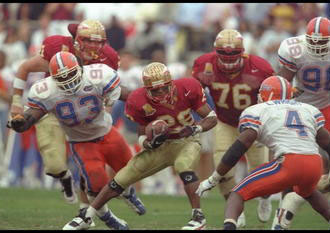 Warrick Dunn on the run