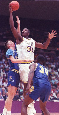 Shaquille O'Neal in action at LSU