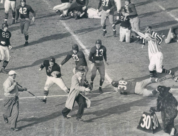 1942 NFL Championship Game action